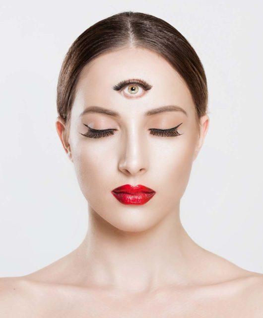 troisieme oeil femme