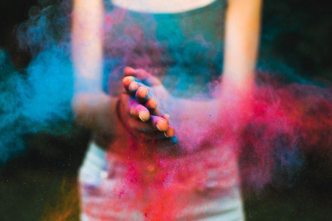 pourdre couleurs festival des couleurs le pouvoir de la gratitude mika denissot 2